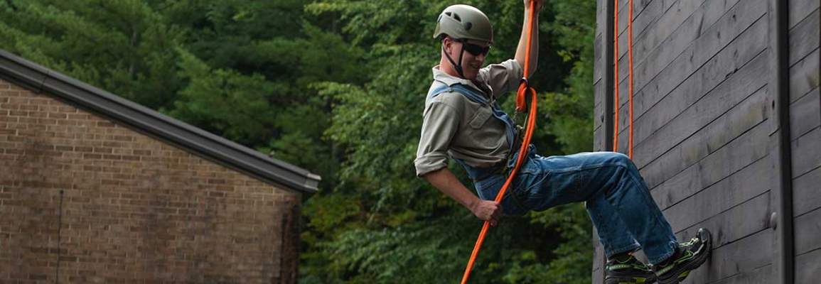 ROTC Rappelling